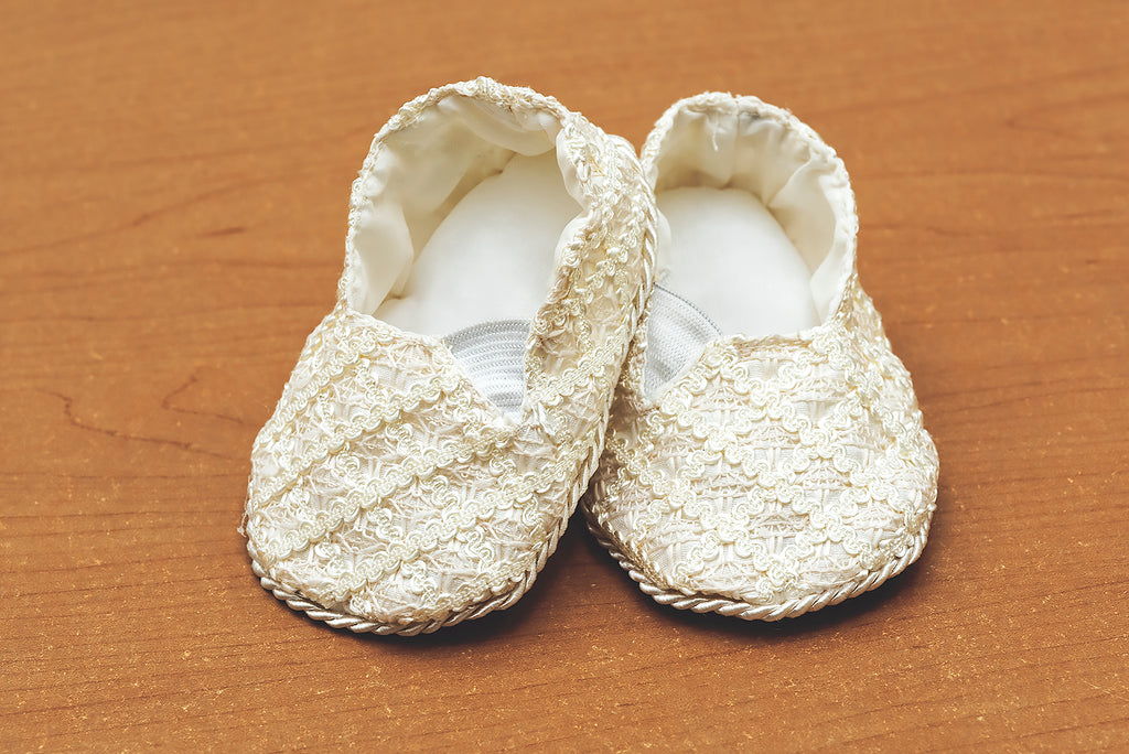 Ivory baby shoes for christening B005