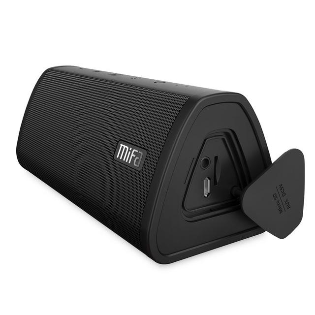 Black Portable Waterproof Bluetooth Speaker