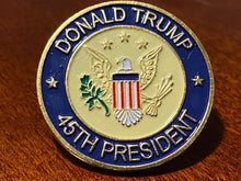 Load image into Gallery viewer, TRUMP 2020 LAW & ORDER 2nd AMENDMENT GUNS FLAG + 45th President Pin