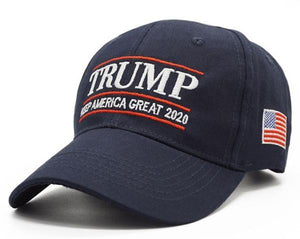 Trump 2020 Keep America Great Hat w/ Trump 45th President Pin and Keep America great Flag