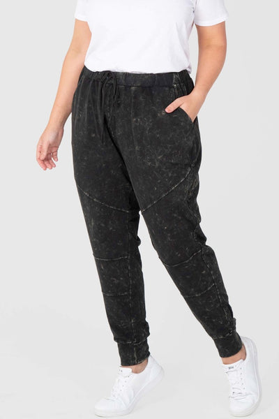 Weekender Washed Pant (Black),,