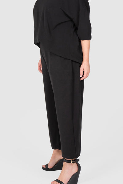 CROP STRAIGHT LEG PULL ON PANT (BLACK),,