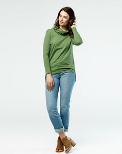 The MARY top in Vineyard Green
