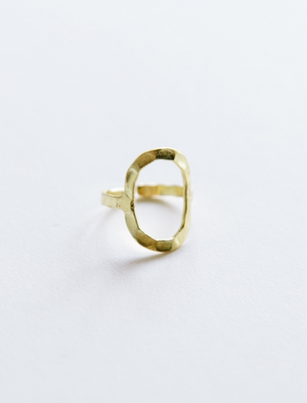 Hammered Oval Ring Gold