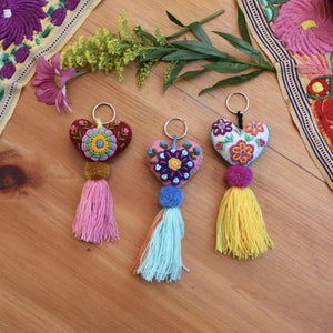 EMBROIDERED HEART KEY CHAIN / ZIPPER PULL - MEXICO