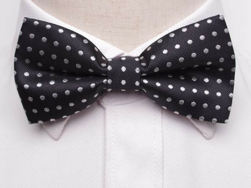 Pre-Tied Bowtie Black Large Dot