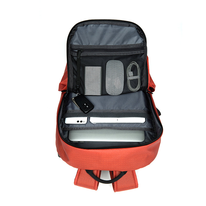 18L LIGHTWEIGHT ALL-WEATHER BACKPACK INTERIOR