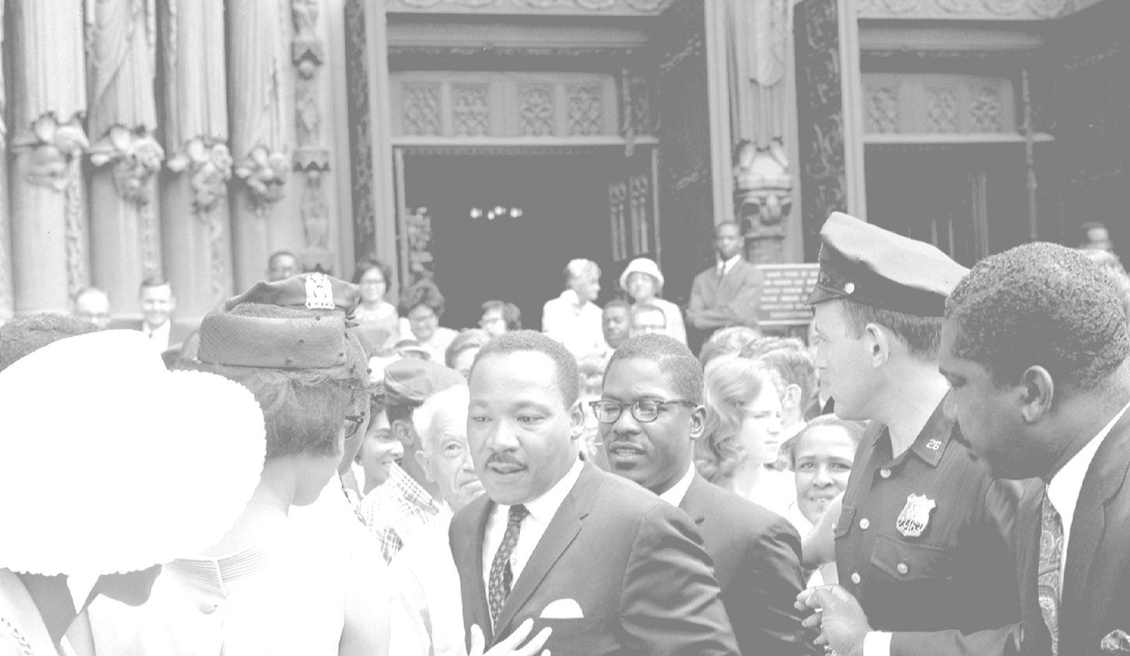 15 DOPE LINES OF INSPIRATION FROM MLK'S VIETNAM SPEECH
