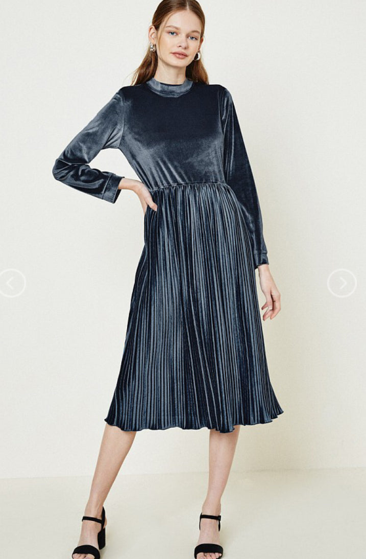 Velvet Pleated Midi Dress-Dark Grey