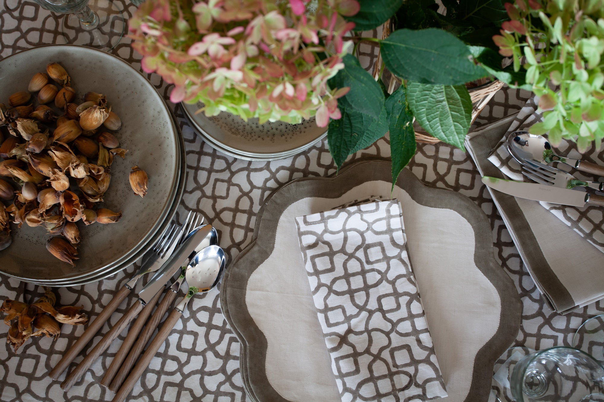 Birdie Fortescue Natural Table Decor