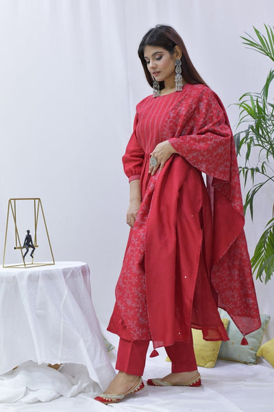 Red Chanderi Hand Embroidered Suit - Set of 3 - label shreya gupta