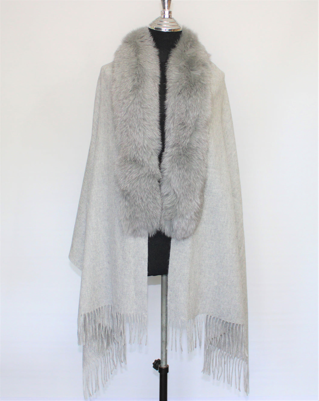 FOX TRIMMED CASHMERE SHAWL