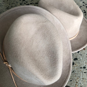 fini. fedora - tan (warehouse sale)