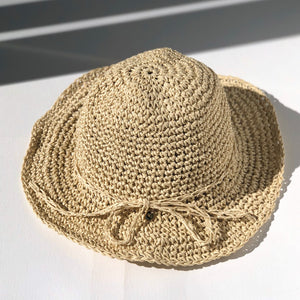 fini. straw hat - light