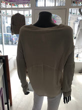 Set top stone coloured size 10