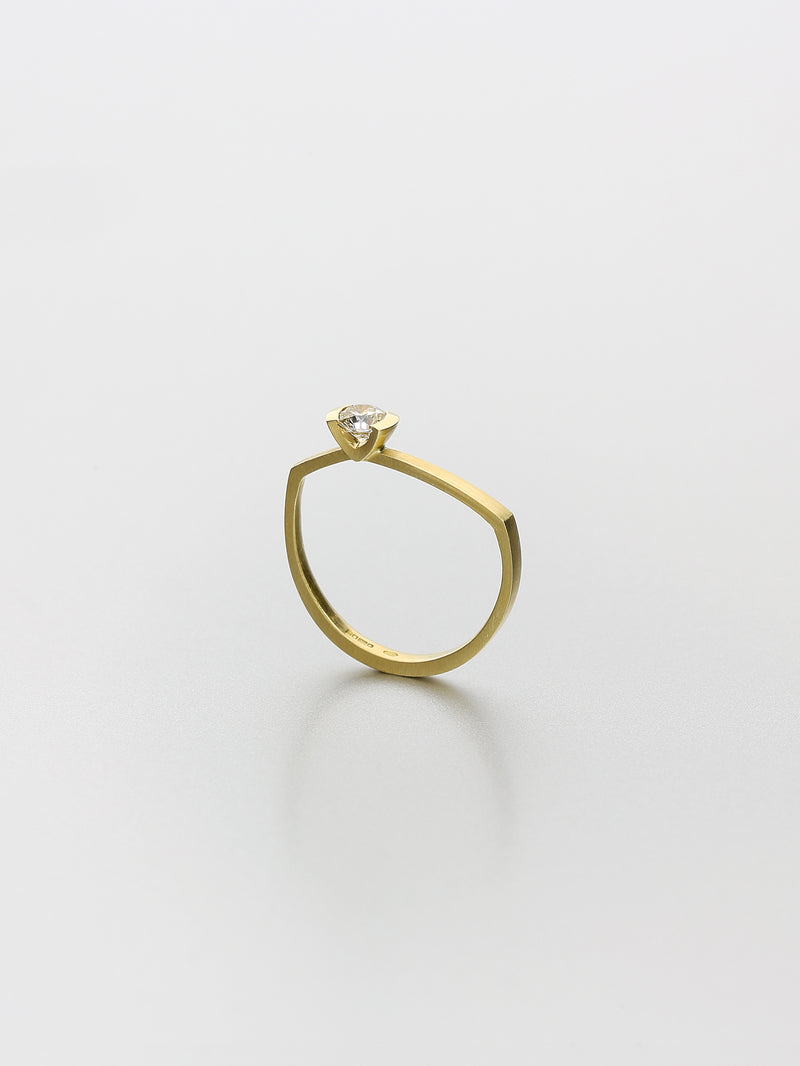Ava Asymmetric I, Yellow gold