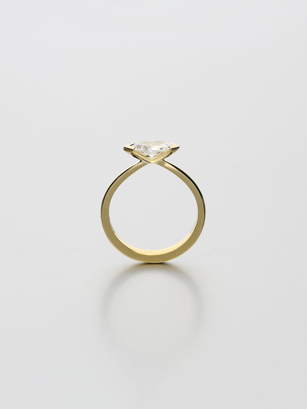 Ava Classic II Fancy cut Marquise
