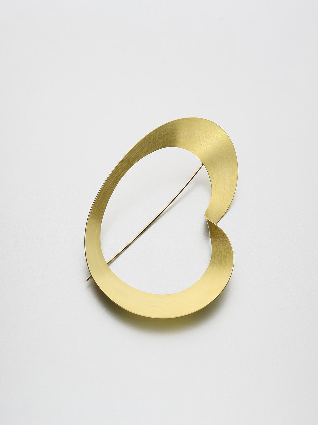 Moebius Brooch, Yellow gold