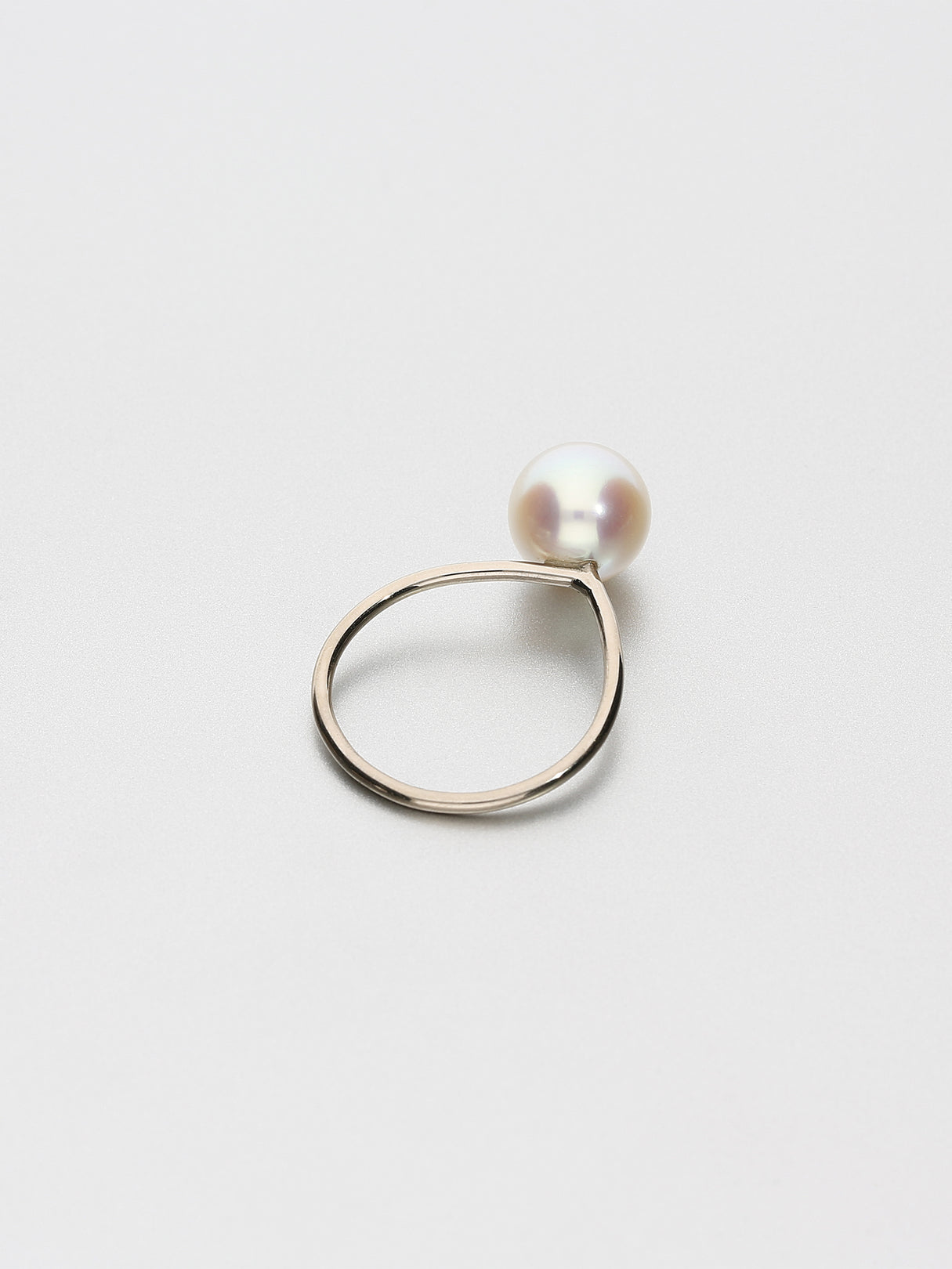 Fine Pearl Ring, White gold with white Akoya pearl 9mm