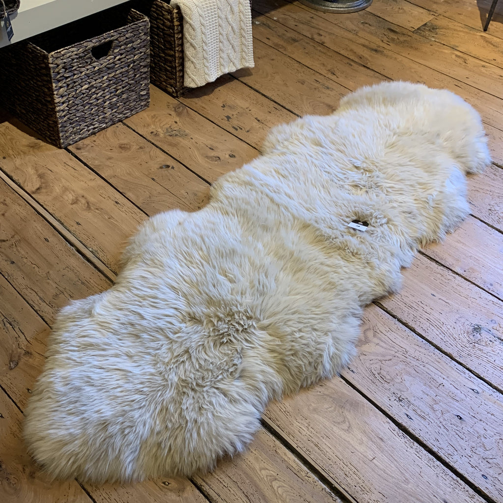 Double Oyster sheepskin rug