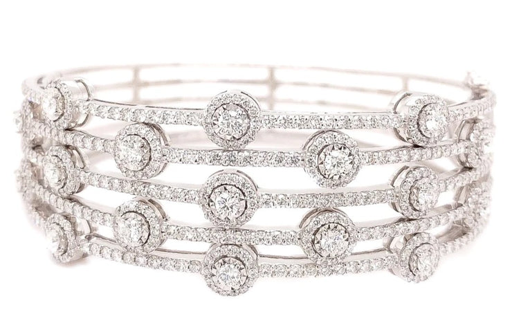 14k White Gold bangle with 6.13ct of diamonds