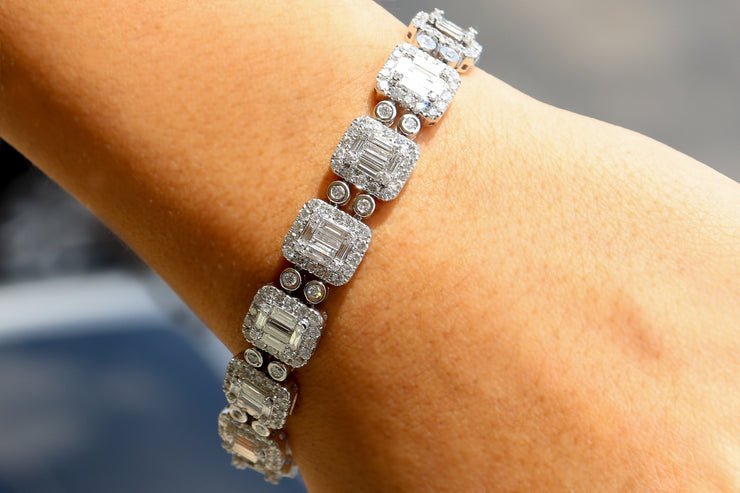 Diamond Bracelet with square illusion set baghettes and round stones