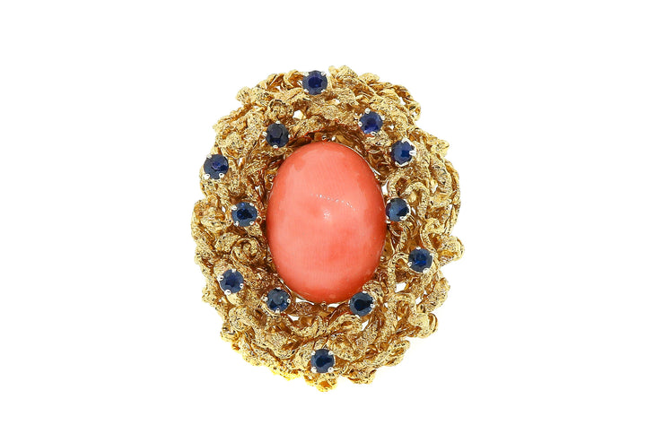 28 gram, 18k Yellow Gold, coral & sapphire ring