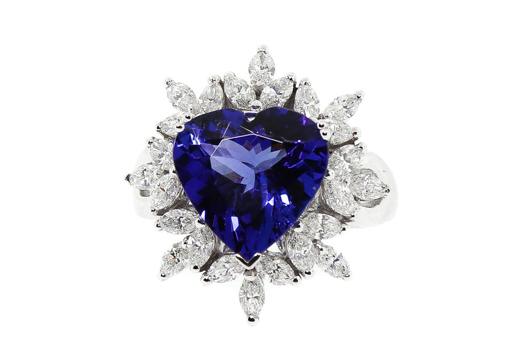 18k White Gold 5.04ct tanzanite ring with 1.70cts of diamonds