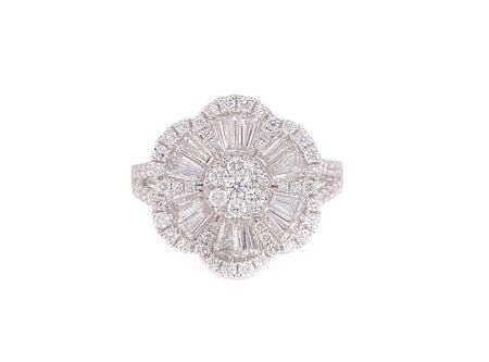 2.00ct 18k white gold flower design cocktail ring
