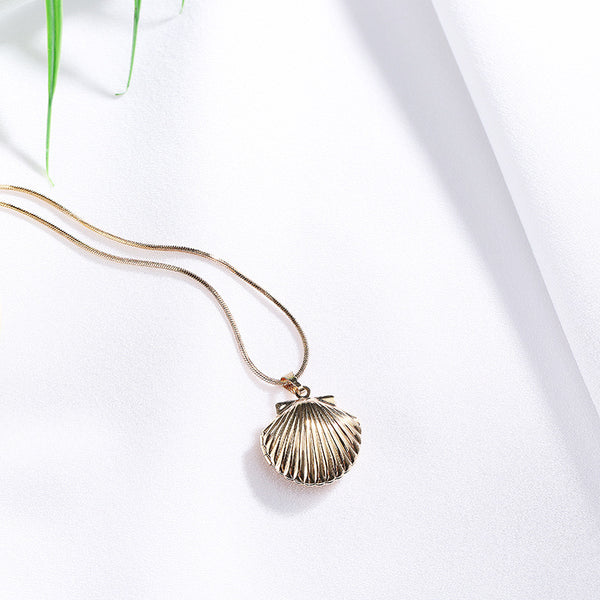 Vintage Sea Shell Locket Necklace