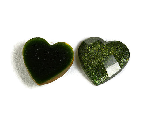 12mm green heart cabochons - 12mm flat pad cabochons with silver powder - 6 pieces (808)