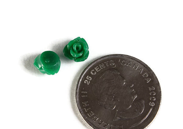 7.5mm Green rosebud cabochons - 7.5mm green rose cabochons - tiny small flower cabochon - 10 pieces (1976)