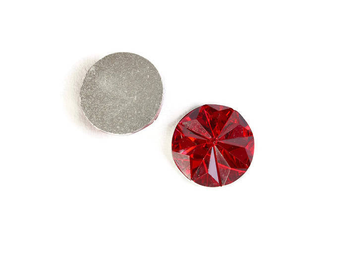 12mm Red faceted round resin cabochon