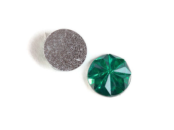12mm Green faceted round resin cabochon