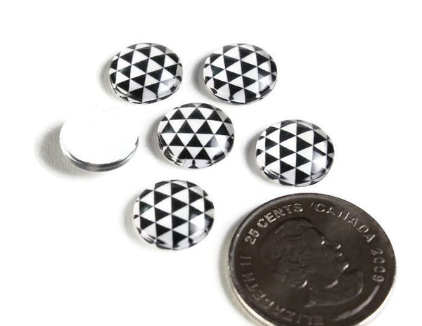 12mm black white cabochons - 12mm Triangle cabochons - 12mm flat round cabochon - 12mm glass cabochon - 12mm Printed Cabochons (2128)