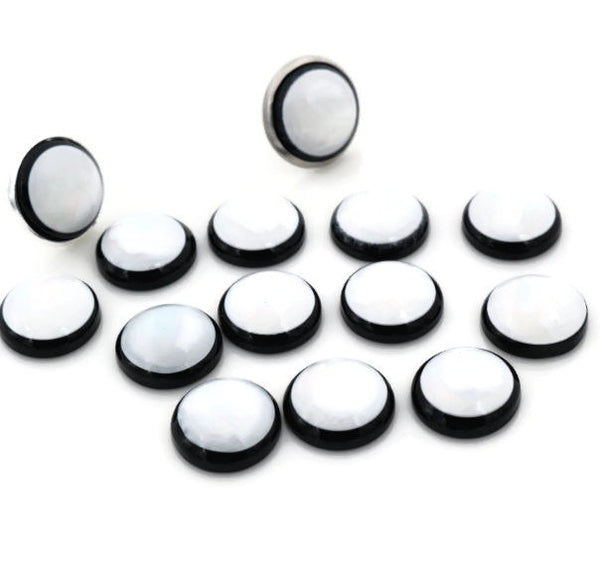 12mm pearlized finish cabochons - 12mm white and black cabochons - 12mm round cabochons - Resin cabochons - 12mm Pearlescent cabochon (2101)