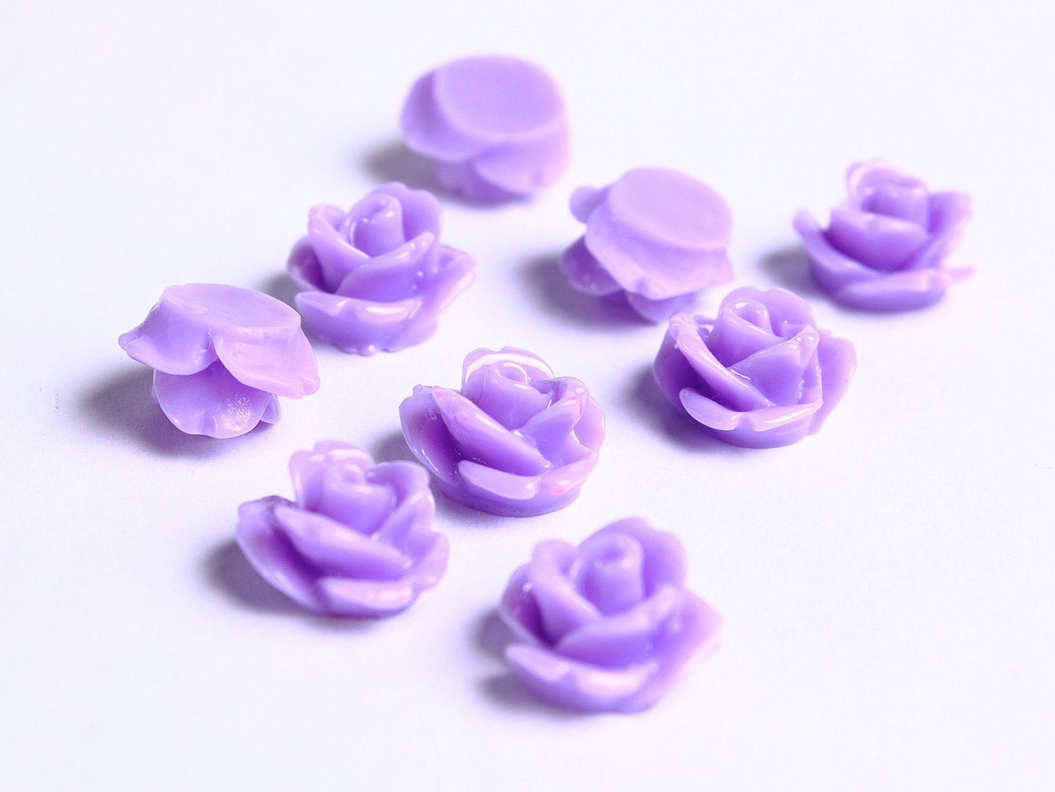 10mm Purple rosebud cabochons - 10mm rose cabochons - 10mm flower cabochons - 10 pieces (085)