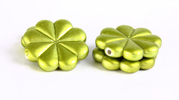 23mm Green rubber flower beads - 4 pieces (366)
