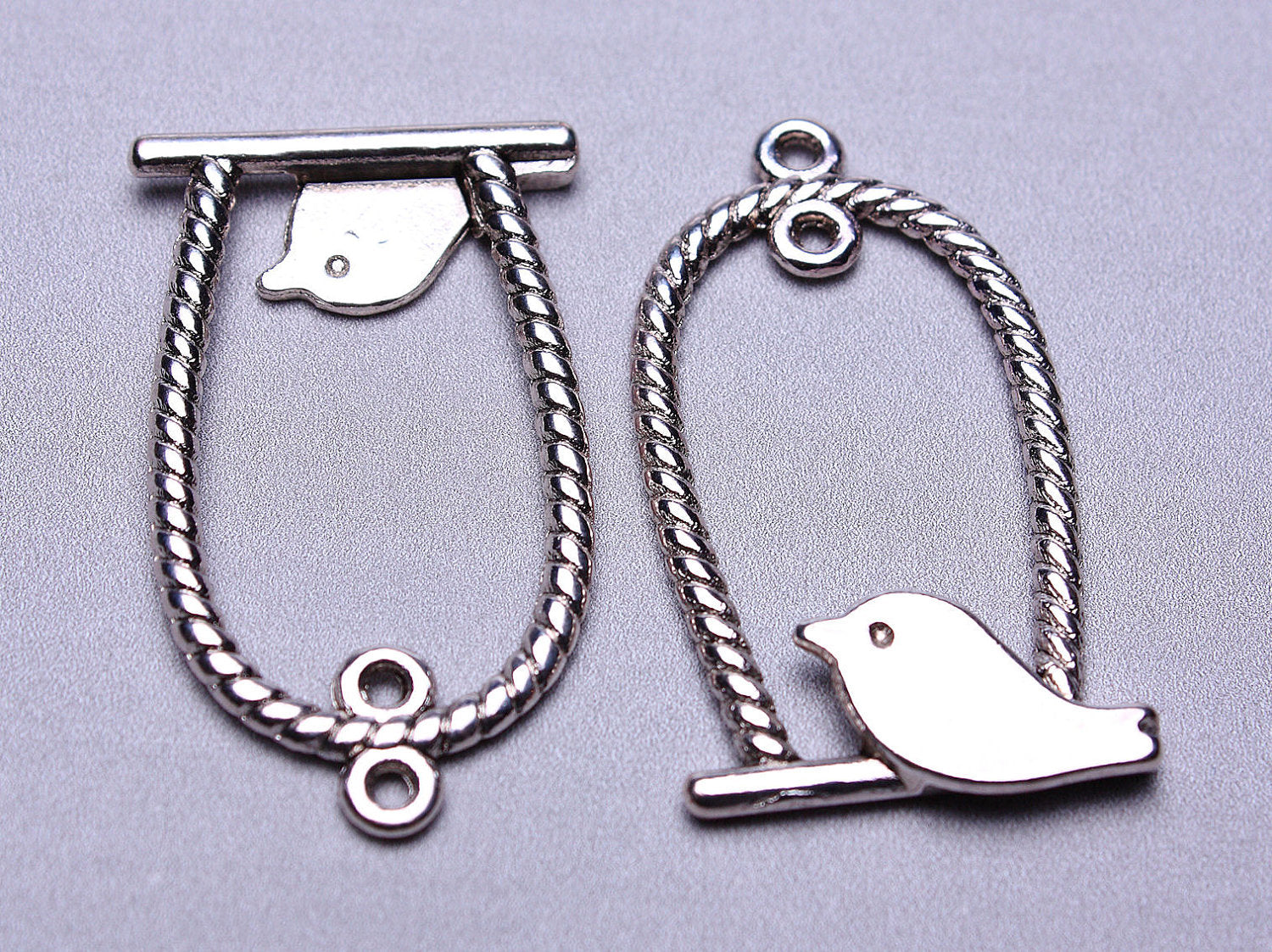 Bird in a cage charm - Bird pendant - silver color - 8 pieces (538)