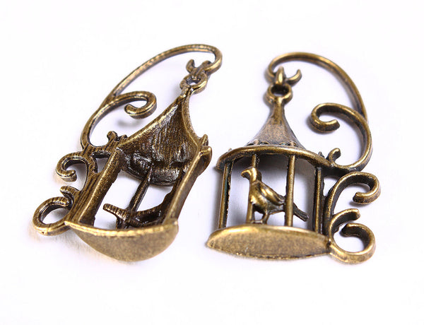 Bird in a cage antique brass charm - Bird pendant in antique brass - 34mm x 20mm - lead free - nickel free - 4 pieces (573)