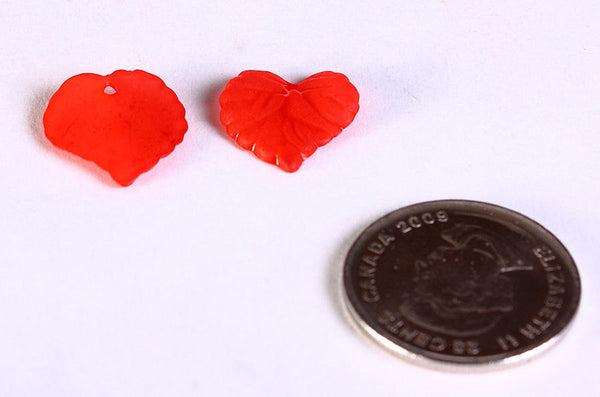 Red leaves beads - red frosted leaf beads - 16mm x 15mm - 30 pieces (647)