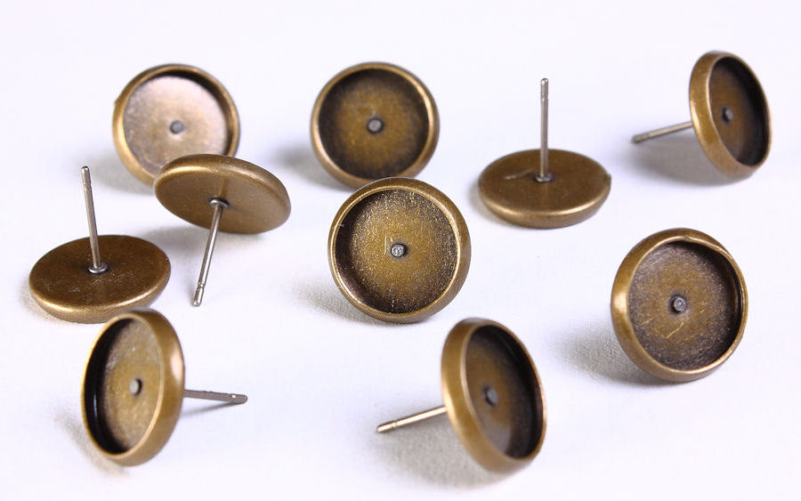 12mm earstud - antique brass findings - 12mm inner tray - nickel free - lead free - cadmium free - 10 pieces (5 pairs) (1137)