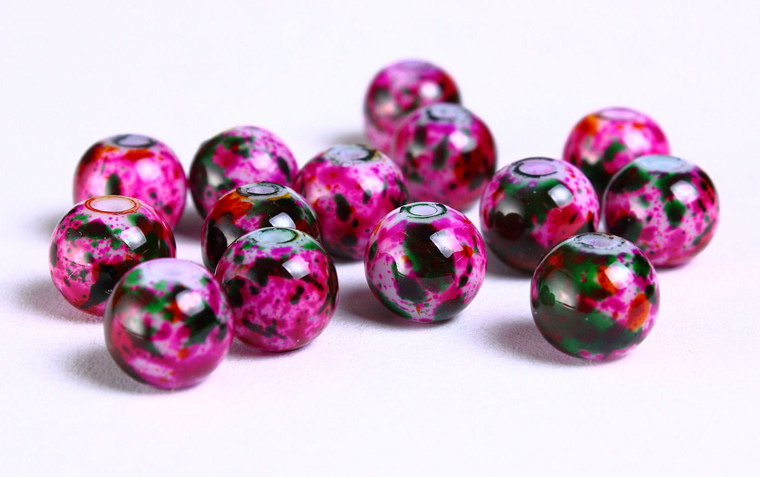 8mm hot pink green beads - 8mm round glass bead - 8mm opaque beads - 14 pieces (913)
