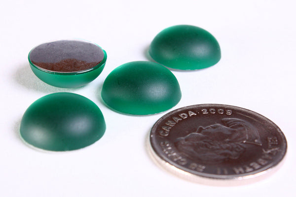 15mm green frosted cabochons - 15mm Emerald matte finish round cabochons with silver foil - 4 pieces (1182)