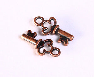 16mm antique copper petite key charm - 16mm antique copper key pendant - Lead free - cadmium free - nickel free - 10 pieces (1203)