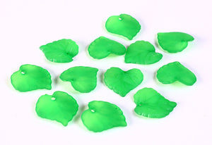 Green leaves beads - Green frosted leaf beads - 16mm x 15mm - 20 beads (649-)