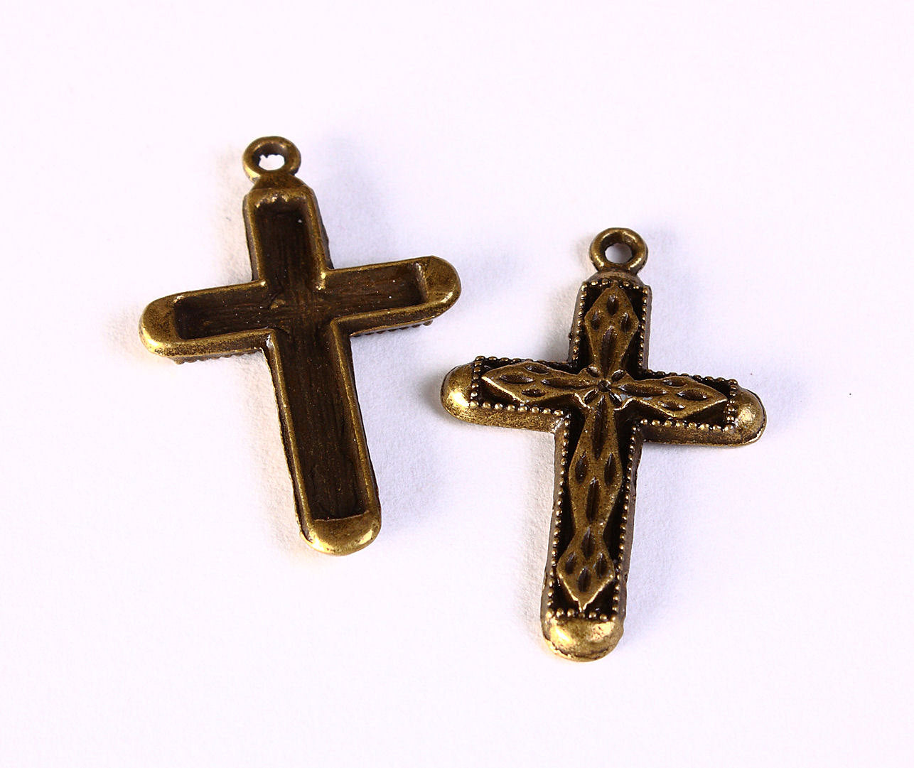Cross pendant - antique brass cross charms - rosary jewelry supply - Cross for Rosary - 31mm x 20mm - 6 pieces (1215)