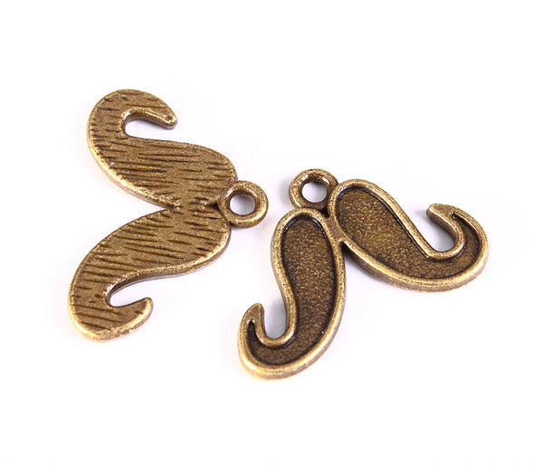 Mustache charm in antique brass color - Mustache pendant - 15mm x 22mm - 5 pieces (1250)