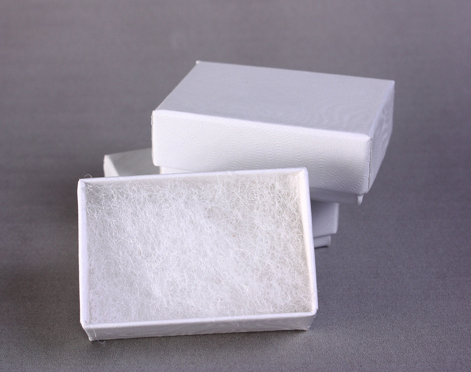 100 tiny white jewelry boxes filled with cotton - 1 7/8 x 1 1/4 x 5/8 inches - 49mm x 33mm x 18mm (1628) - Canadian shipping