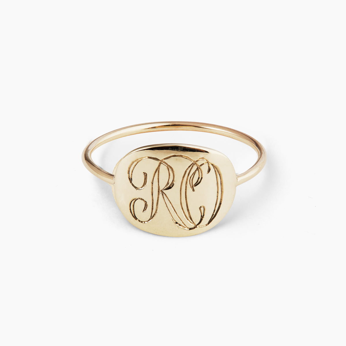 Solid Gold Ring. Complementary Hand Engraving.